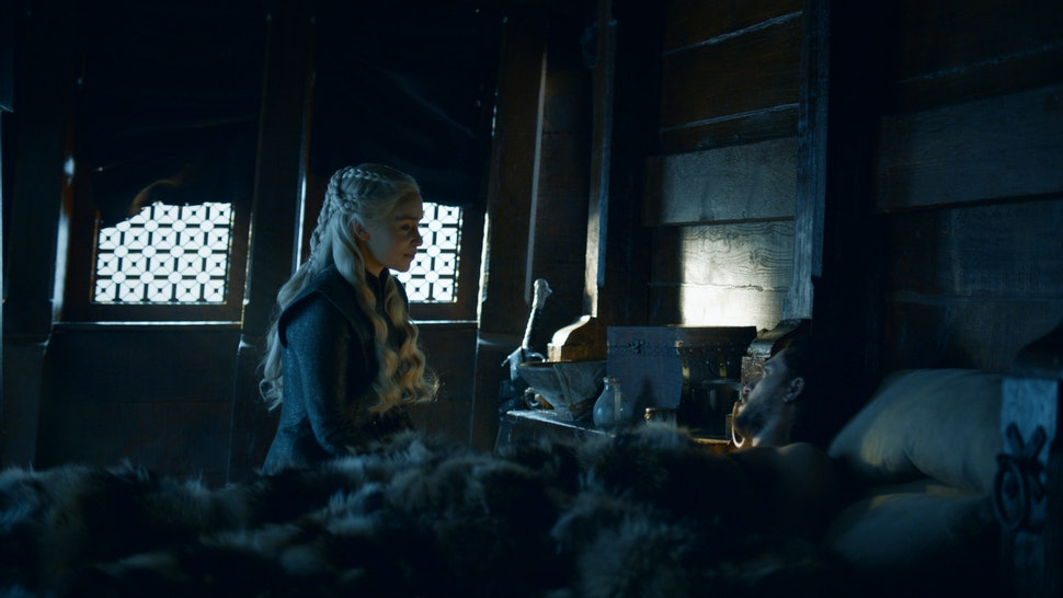 Jon Snow Daenerys Sex Scene On Game Of Thrones Came At The