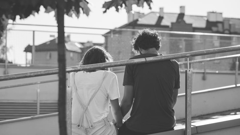 11 Signs & Symptoms Of A Failing Relationship That Almost Everyone