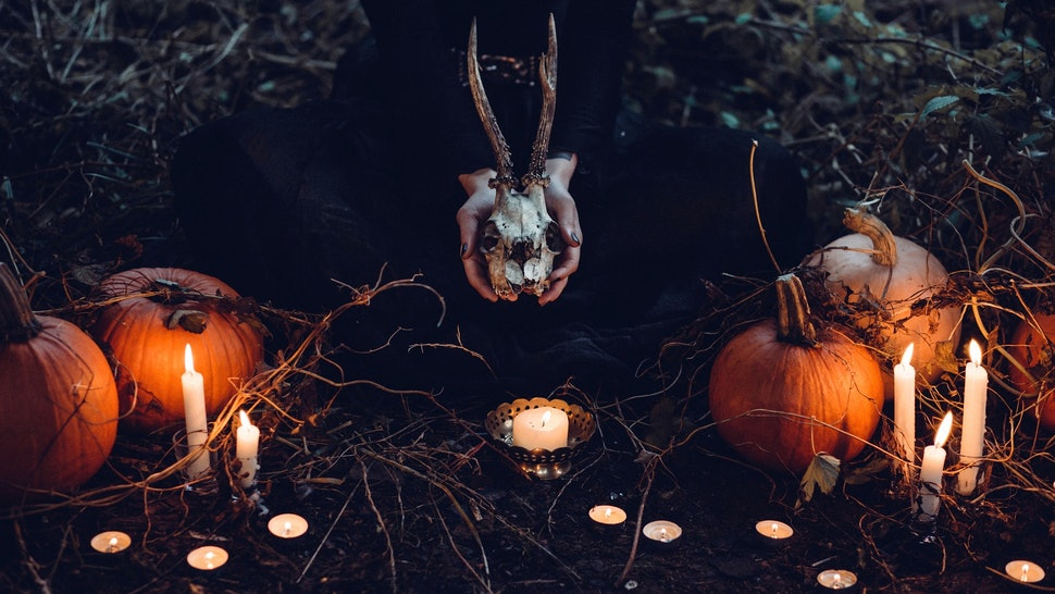 12 Scary Halloween Party Ideas To Give Your Guests A Spook