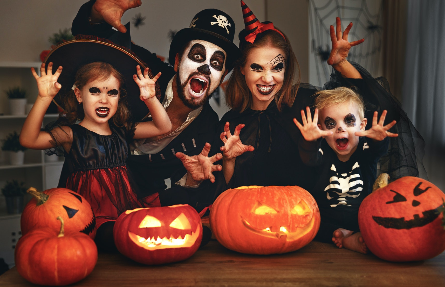 8 Easy Last-Minute Family Halloween Costumes You Pull Together With Zero Stress  sc 1 st  Romper & 8 Easy Last-Minute Family Halloween Costumes You Pull Together With ...