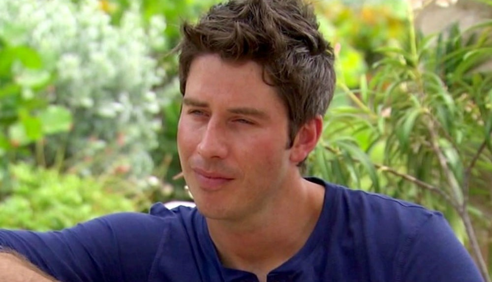 Is arie from the bachelorette dating anyone