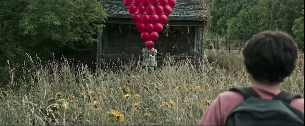 What Does The Red Balloon Mean In It Pennywises Tool Makes The Movie Even Scarier