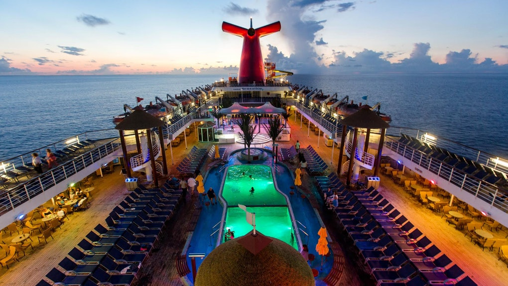 "This '90s-Themed ""Ship-Hop"" Caribbean Cruise Will Make You ..."