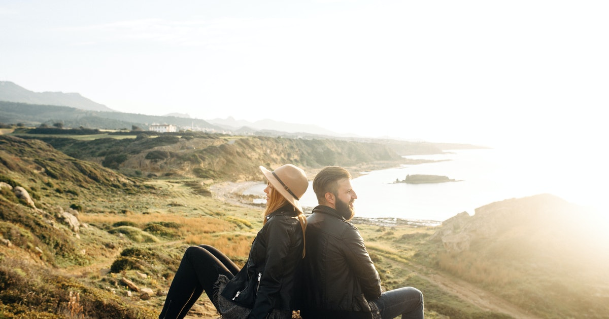 6 Unexpected Signs Your Partner Isn't Loyal, Even Though