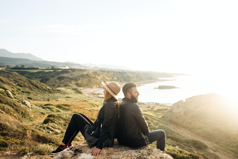 6 Unexpected Signs Your Partner Isnt Loyal Even Though Theyve