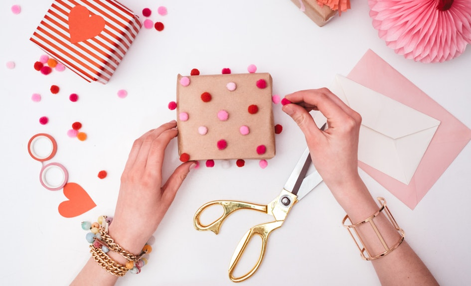 5 valentine s day gifts for girls under 100 that she ll totally love