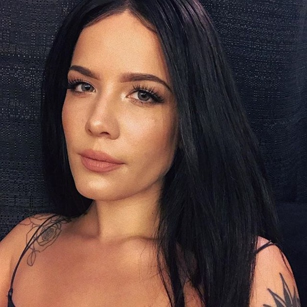 Halsey S New Pixie Cut Will Give You Serious Marilyn