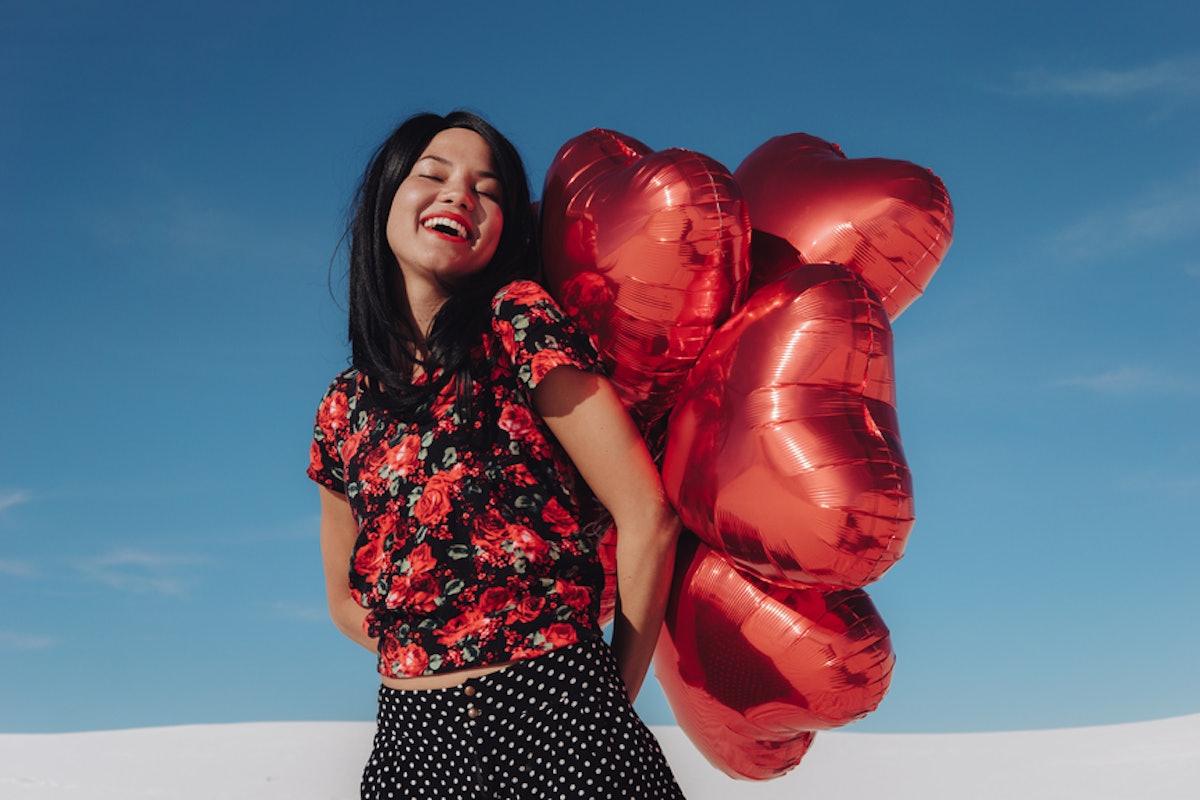 18 Valentine's Day Instagram Captions If You're Single AF & Loving It