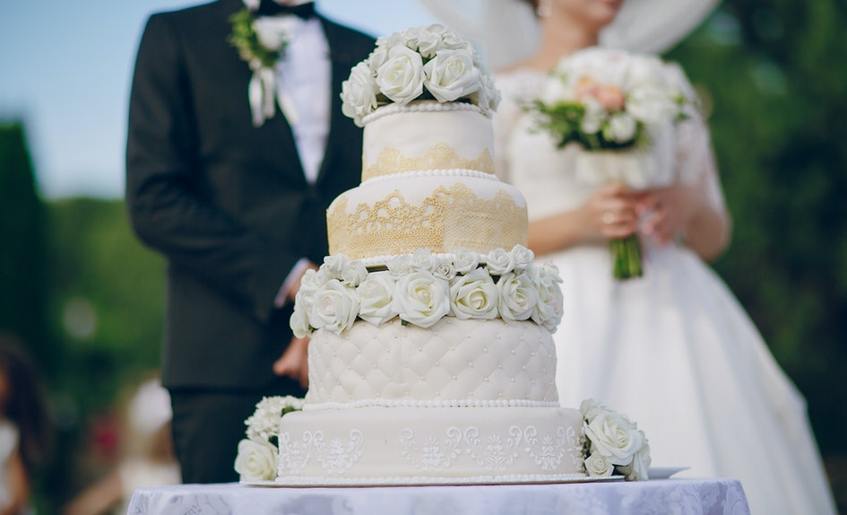 The Best Type Of Wedding Cake For Your Special Day Based On Zodiac Sign