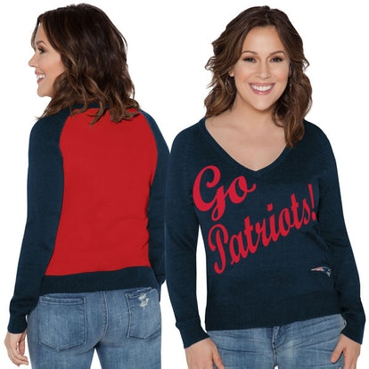 New England Patriots Touch by Alyssa Milano Women's Plus Size MVP V-Neck Pullover Sweater