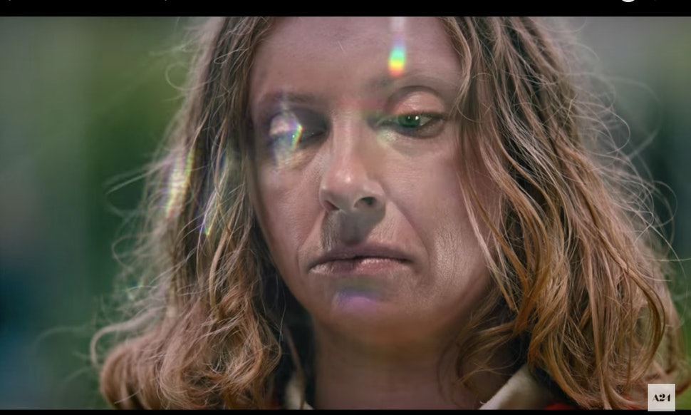 The Hereditary Trailer Shows Toni Collettes Family Is Much Scarier Than Yours