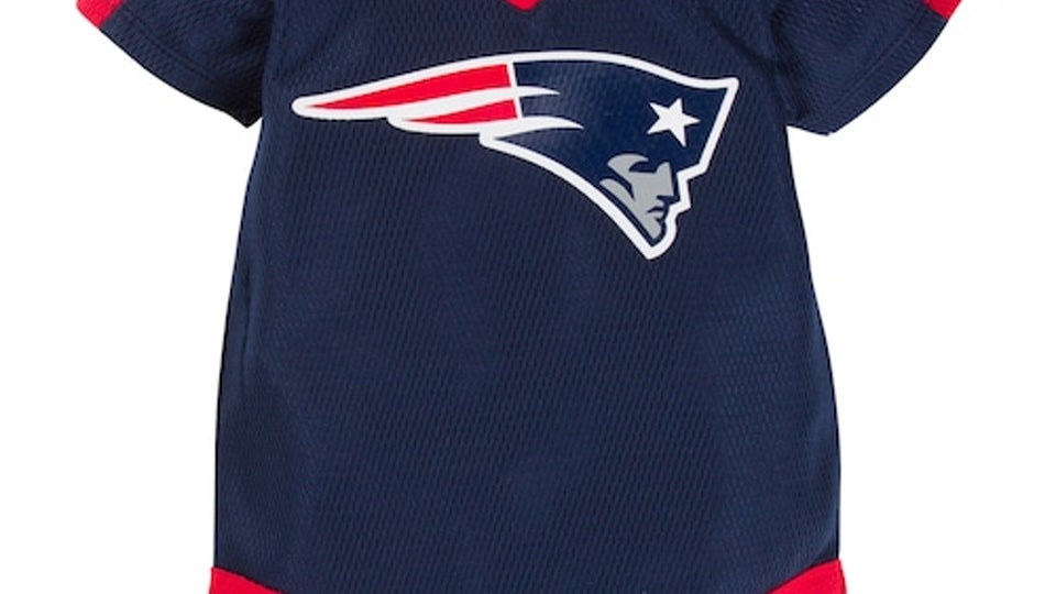 finest selection e0007 2eb32 7 Adorable Baby Onesies For Patriots Fans Because They've ...