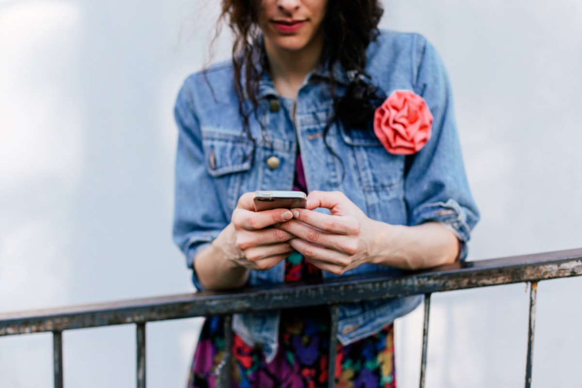 5 Texts To Send Your Ex When You're Ready To Walk Away For Good