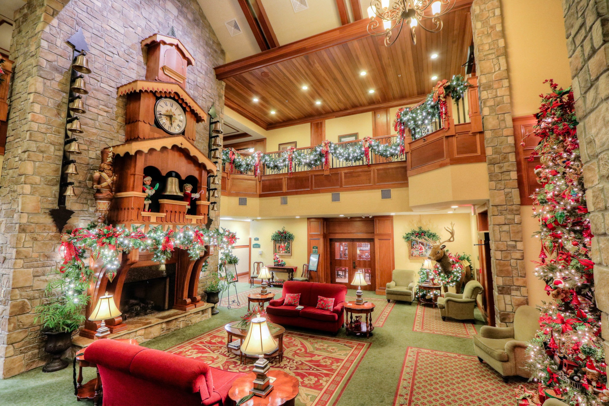 These 6 Christmas-Themed Hotels Are Seriously Perfect To Spend The Holidays In