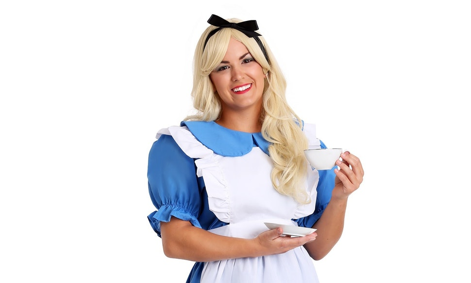 easy 2018 halloween costume ideas for blondes because its totally fine to be low maintenance