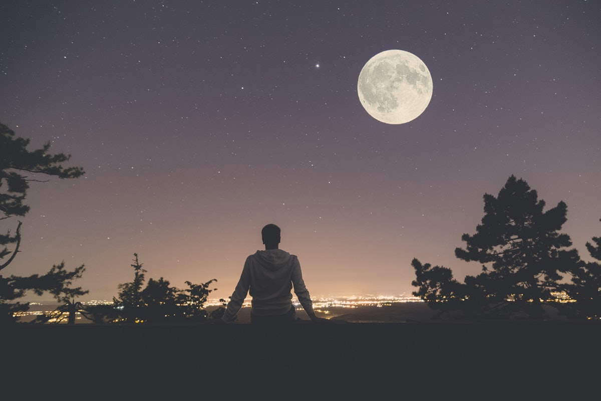 10 Meditations For The October 2018 Full Moon That Will Help You Get Through It In One Piece