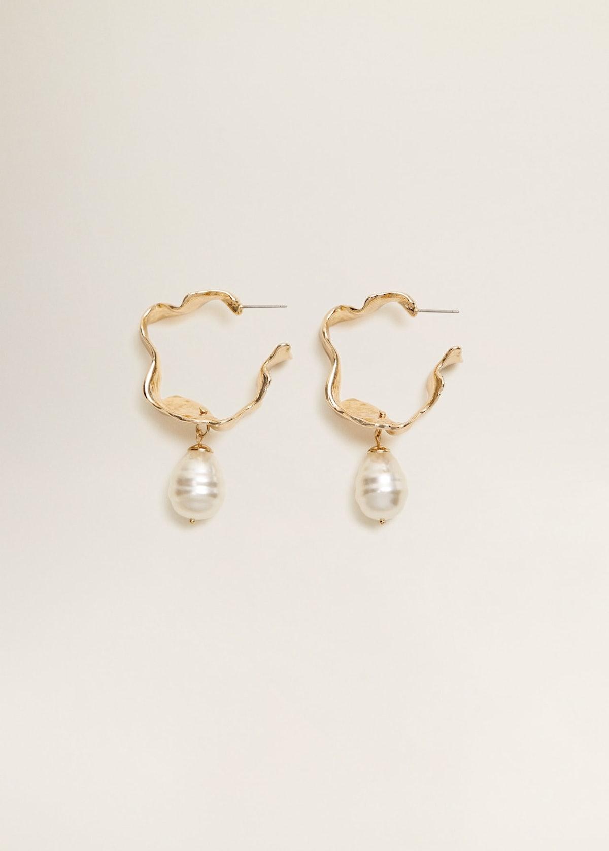 Pearl detail metallic earrings