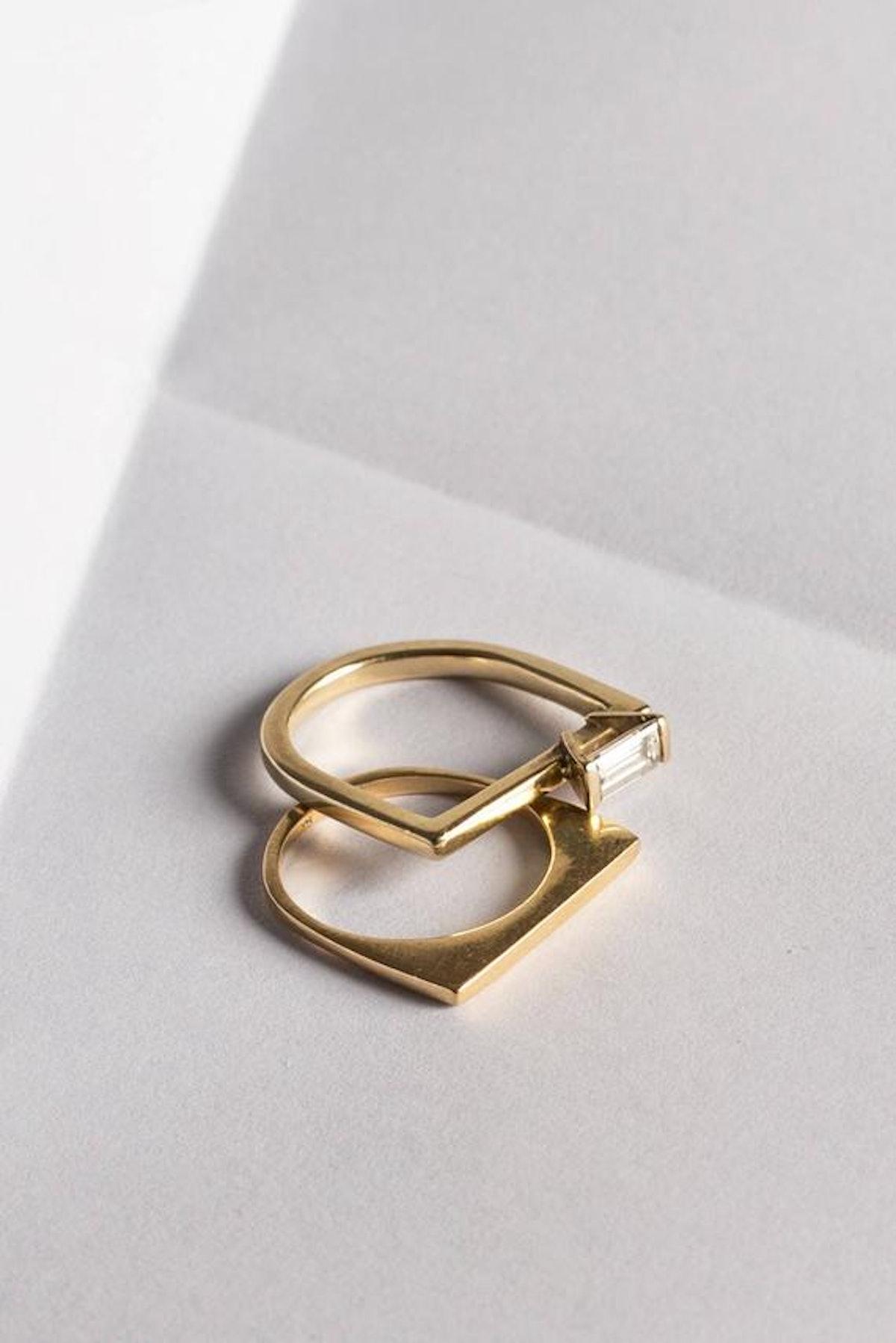 Perla Asymmetrical Engagement Ring