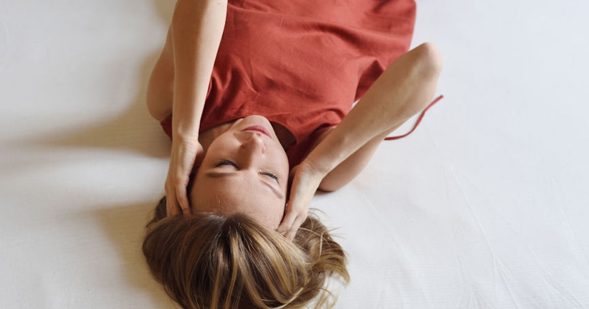 Here's How To Deal With Migraines At Night When All You Want To Do Is Get Some Sleep