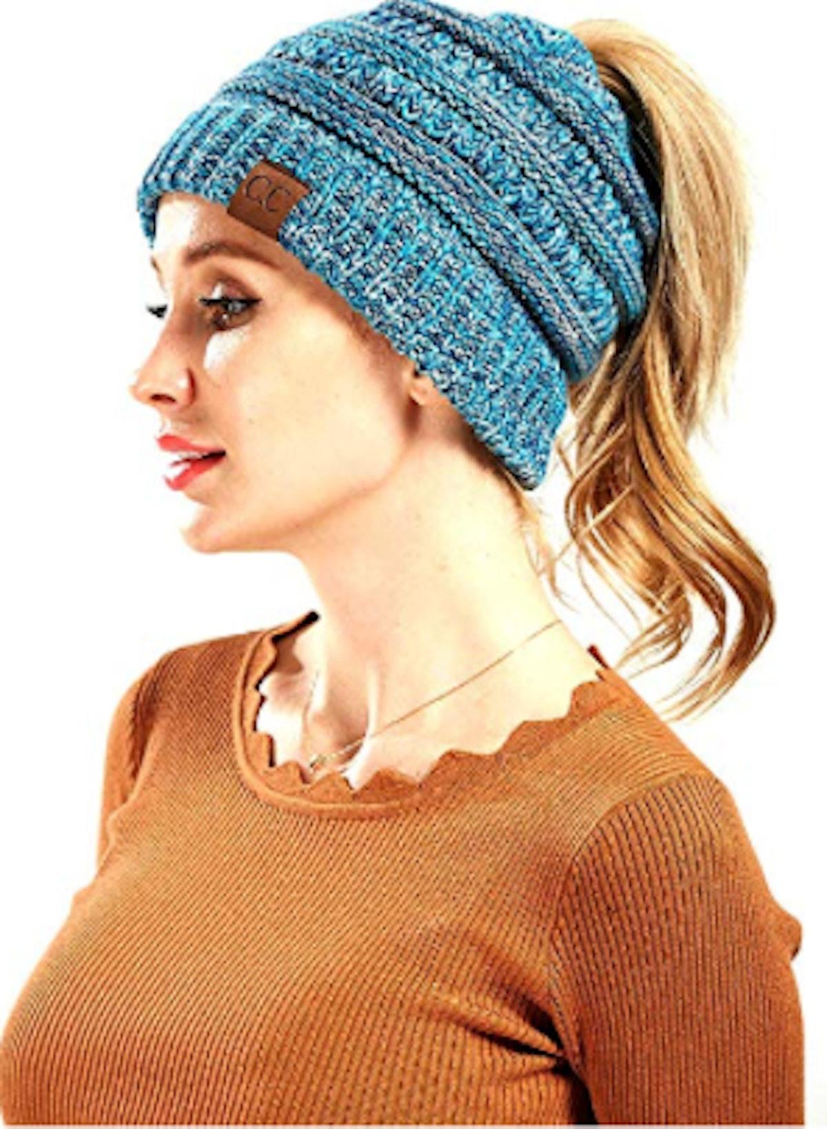 FADA BeanieTail Cable Knit Ponytail Beanie