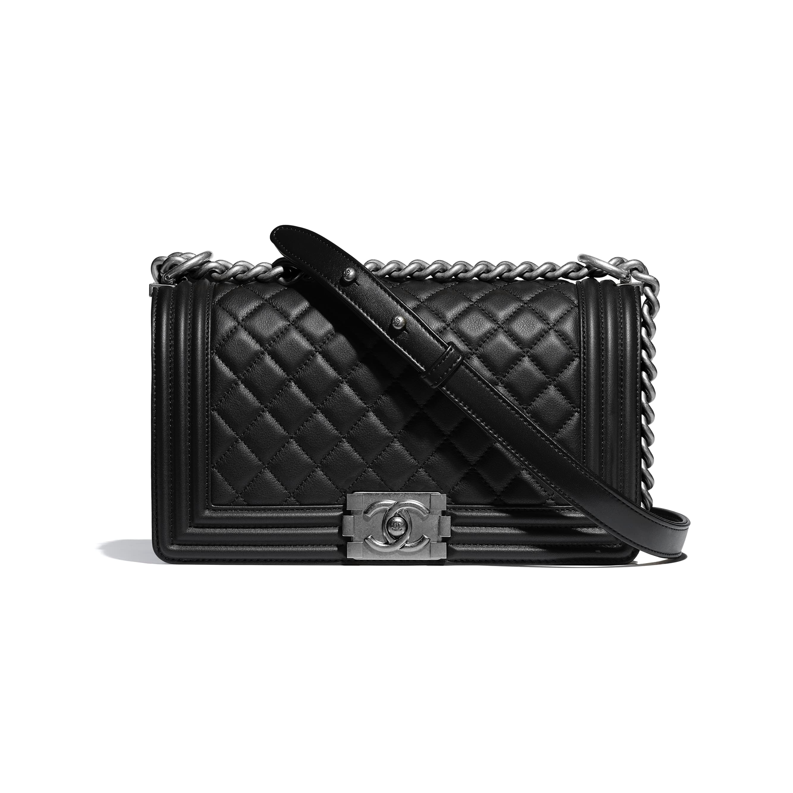 0ffa67100d9 Chanel's New Bag Trend For 2019 Is Here — And It's Extra