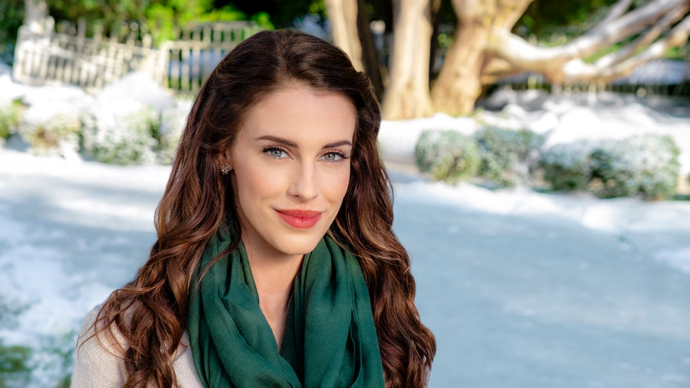 Christmas Everlasting Cast.The 2018 Hallmark Christmas Movies Starring Your Favorite Cw