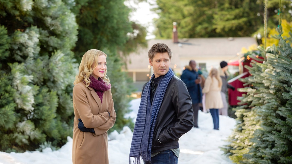 Once Upon A Time At Christmas 2019.All The 2018 Hallmark Christmas Movies Premiere Dates So