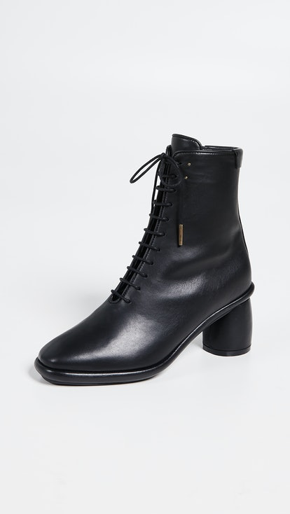 Plain Middle Lace-Up Boot