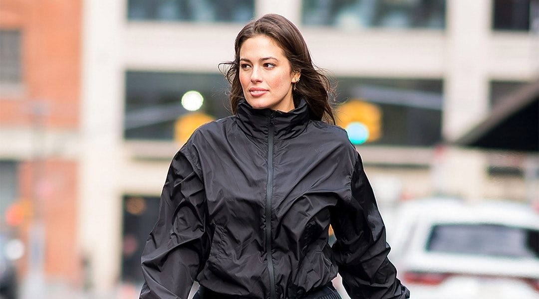455fef1d0bc944 Ashley Graham's Black Workout Outfit Is Athleisure At Its Finest