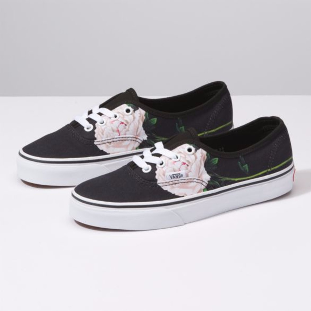"""Winter Floral Authentic in """"Black"""""""