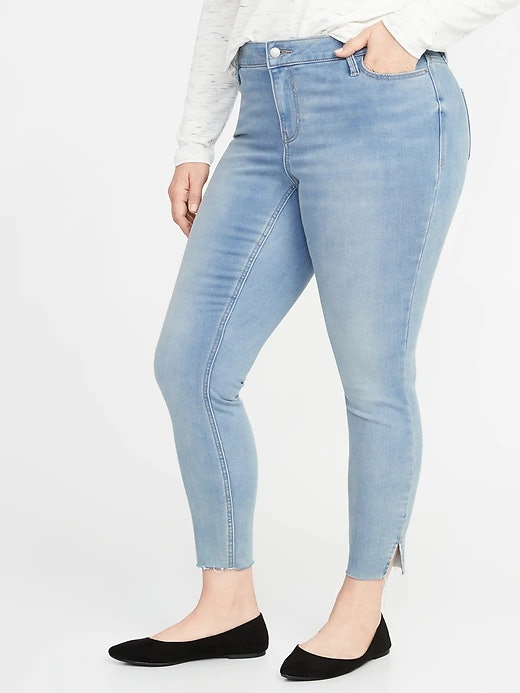 97711bc188e How Much Are Old Navy s Built-In Warm Jeans  They Actually Feel Like Fleece  On The Inside