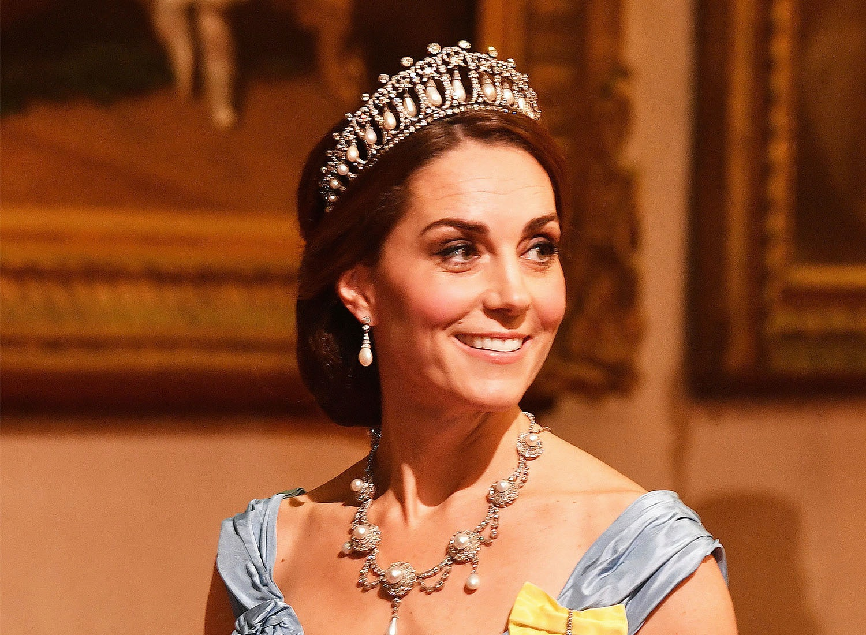 Crown Tiara Brooch Pin Bridal Princess Royal Lady Countess Duchess