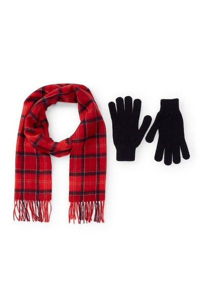 Barbour Scarf And Gloves Set