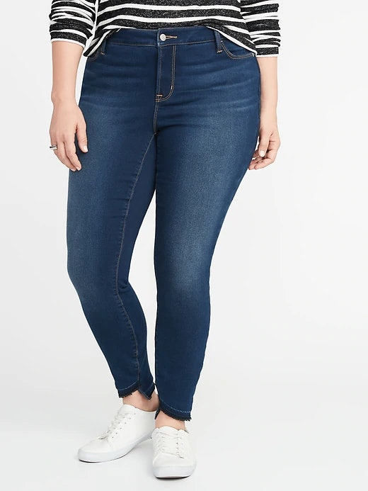 67691f354b6 How Much Are Old Navy s Built-In Warm Jeans  They Actually Feel Like Fleece  On The Inside