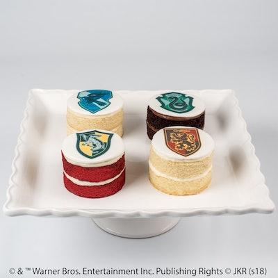 HARRY POTTER™ Mini House Cakes