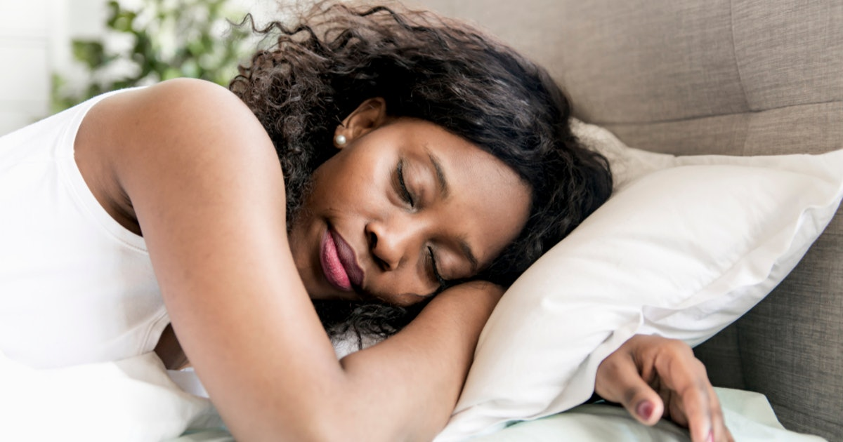 7 Meditations For Insomnia To Focus On While You're Trying To Sleep