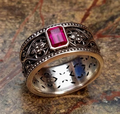 Valencia Intricate Gothic Wedding Band