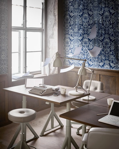 IDÅSEN Desk Sit/Stand In Black And Dark Gray