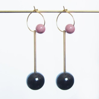 Sew A Song - Oskar Earrings Pink Ball, Long Earrings