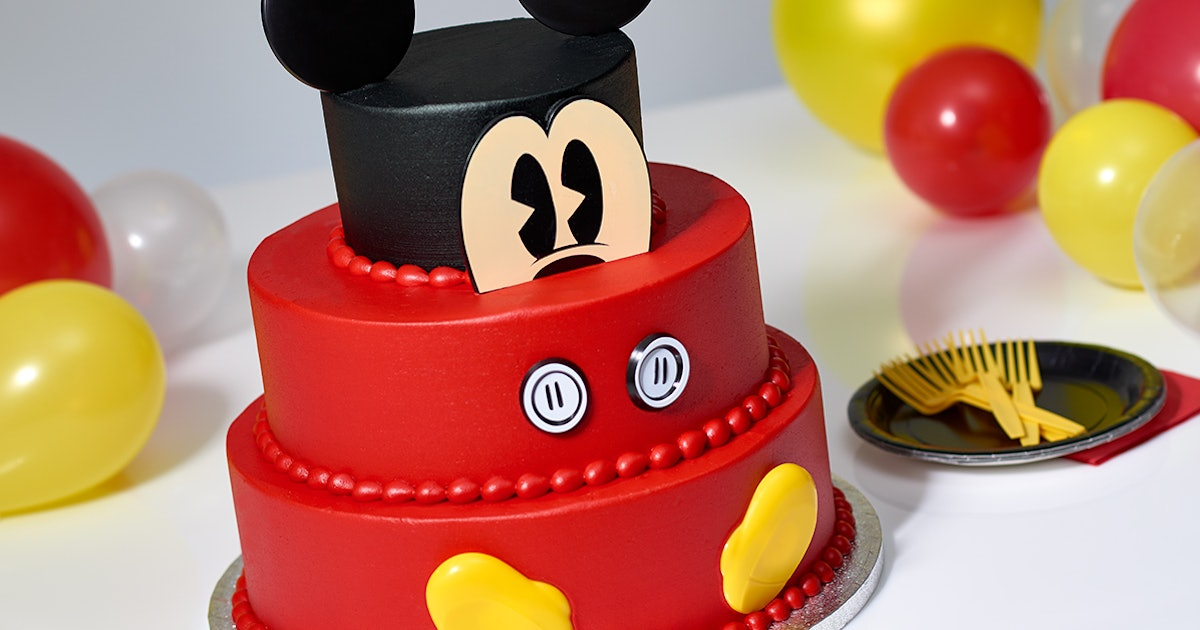 Sam S Club Has A 3 Tier Mickey Mouse Cake That Feeds 66