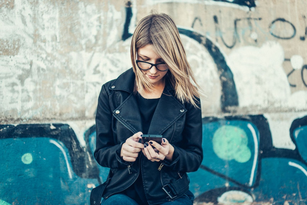 Is It OK To Text About Your Relationship Fears? Here's What An Expert Says