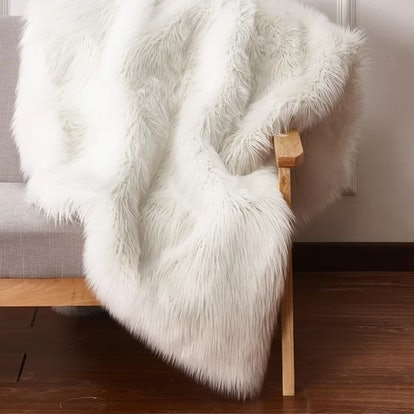 Elvire Handmade Luxurious Plush Faux Fur Throw