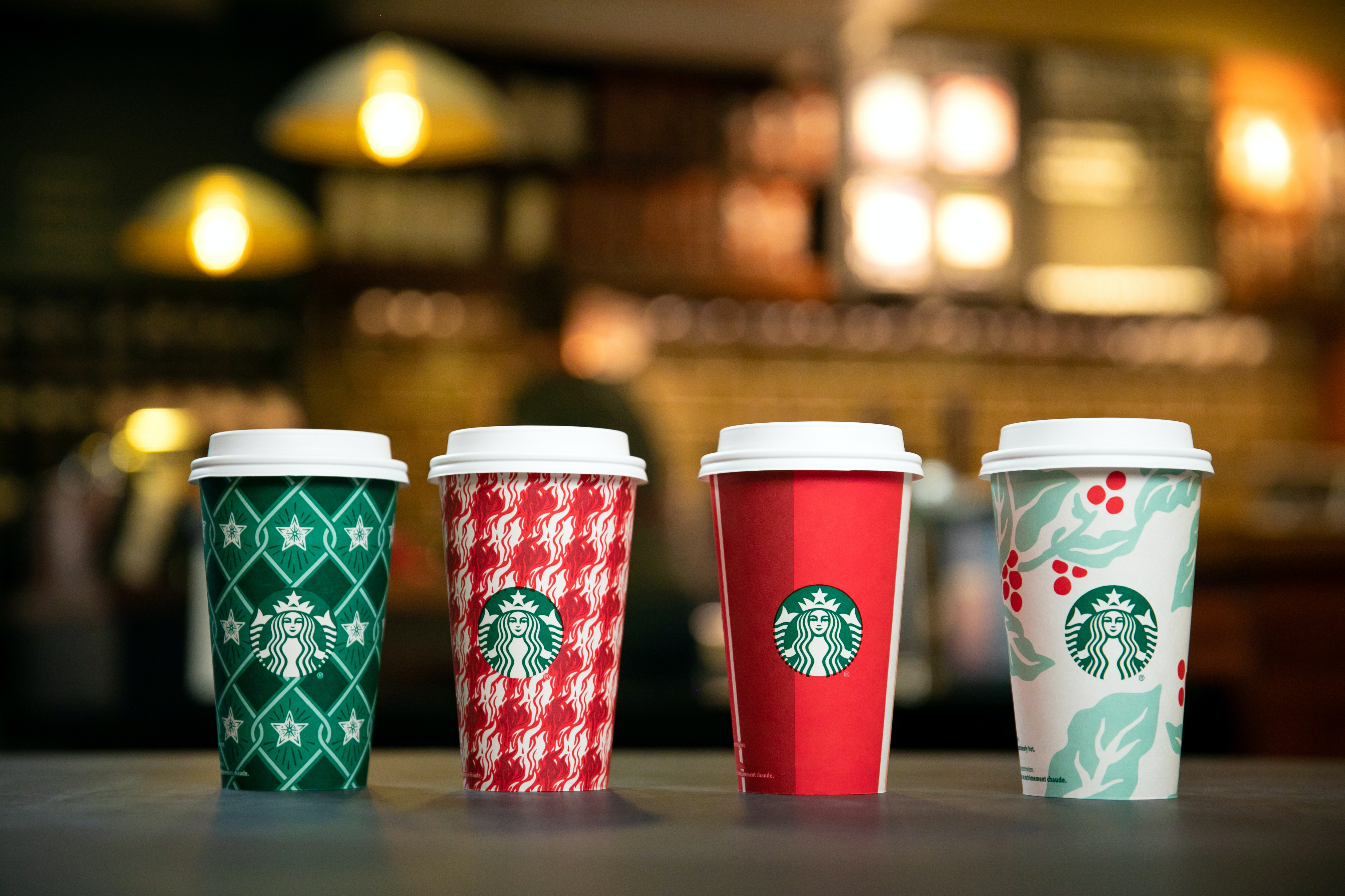 Christmas Starbucks Drinks 2019.Starbucks Holiday Drink Lineup For 2018 Includes The