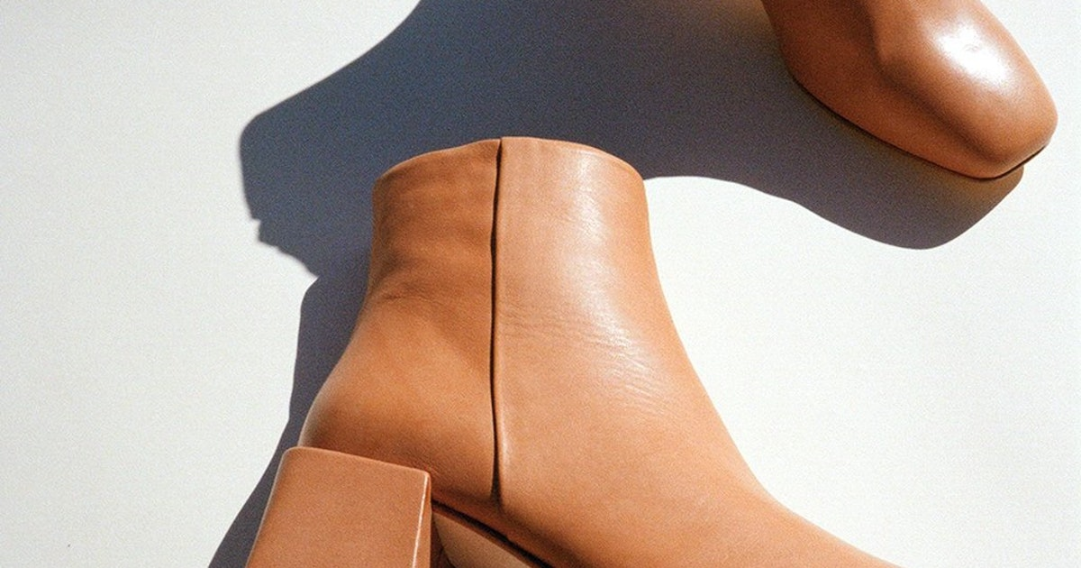 The Lisa Says Gah Sale Has Loq Boots More Winter Must Haves For 20 Percent Off