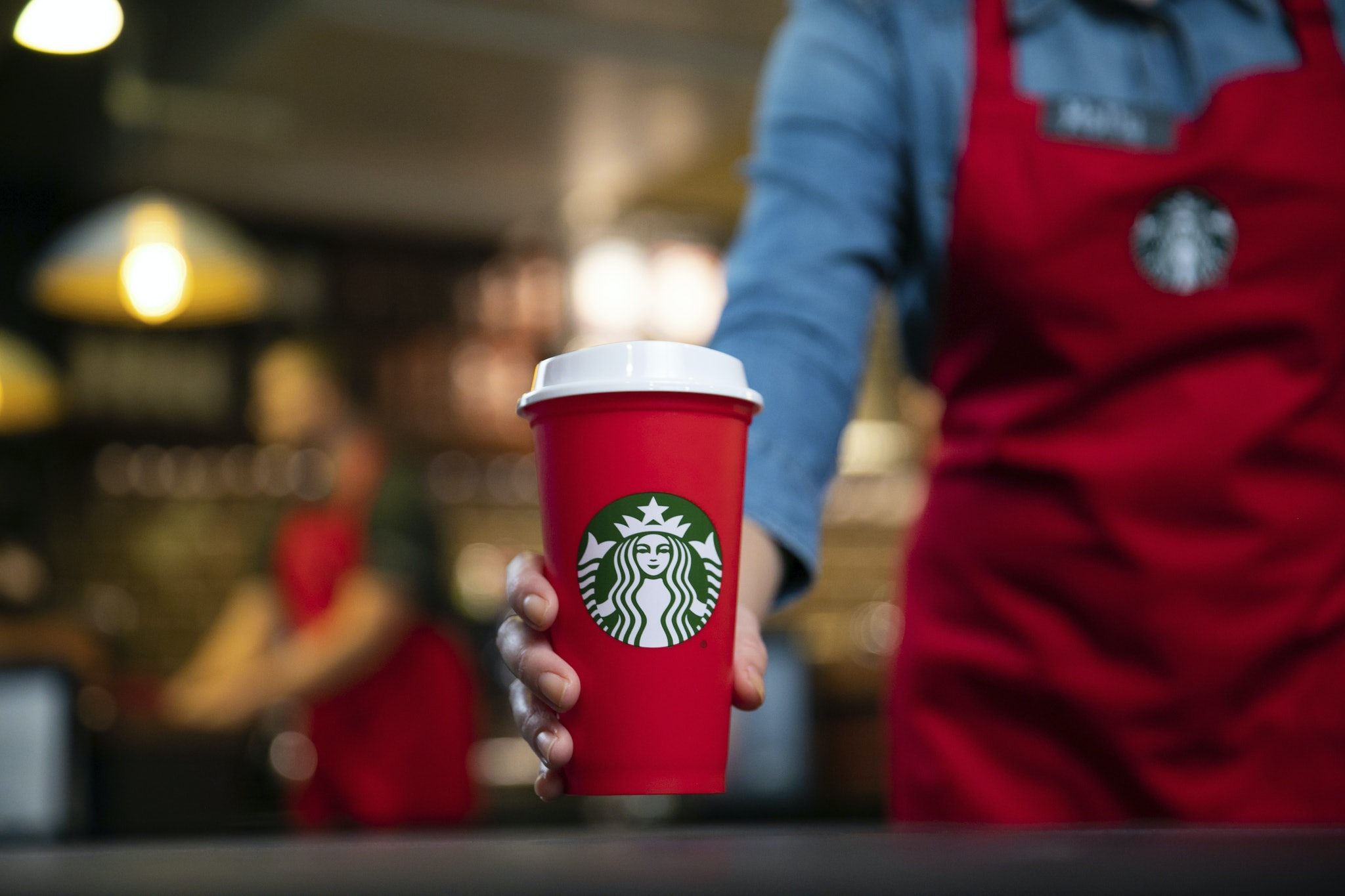How To Get A Free Reusable Starbucks Holiday Cup On Nov. 2 To Help ...