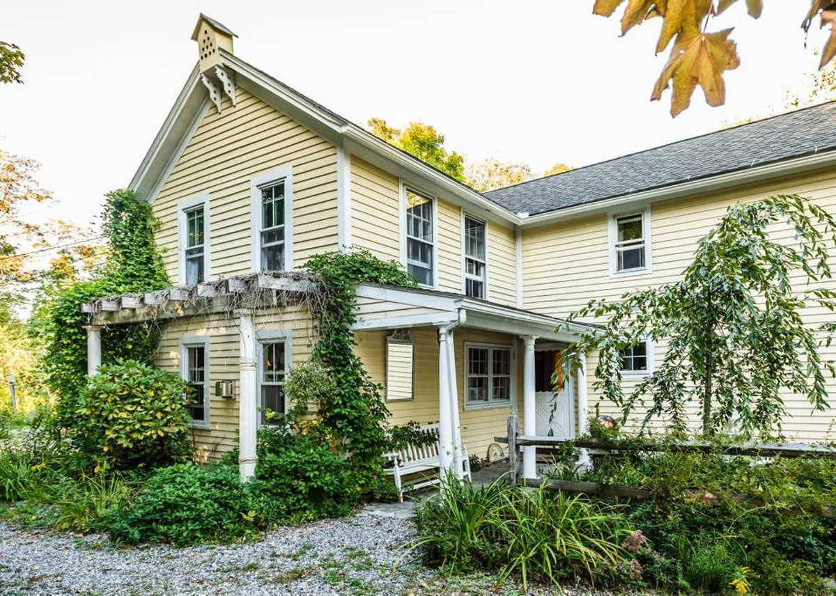 This yellow farmhouse in Litchfield will make you feel like you're at Lorelai's home.