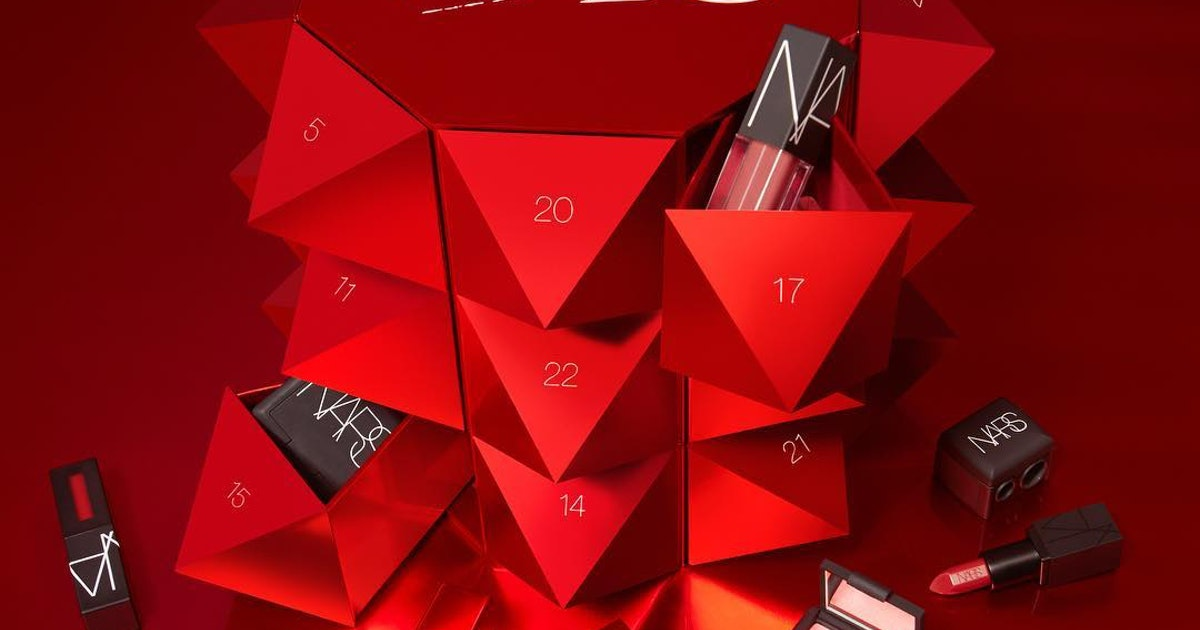 the nars 2018 advent calendar is here yes there are. Black Bedroom Furniture Sets. Home Design Ideas