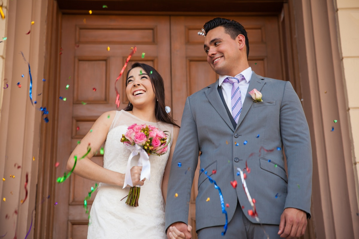 7 Tips For Planning A Small Courthouse Wedding: Make A Courthouse Wedding Feel Special With These 6 Tips