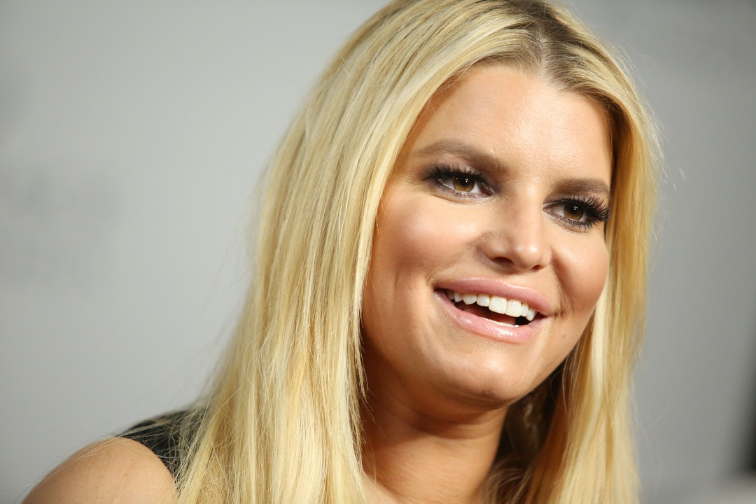 Jessica Simpson S Bleach Blonde Hair Is Easy To Recreate Here S