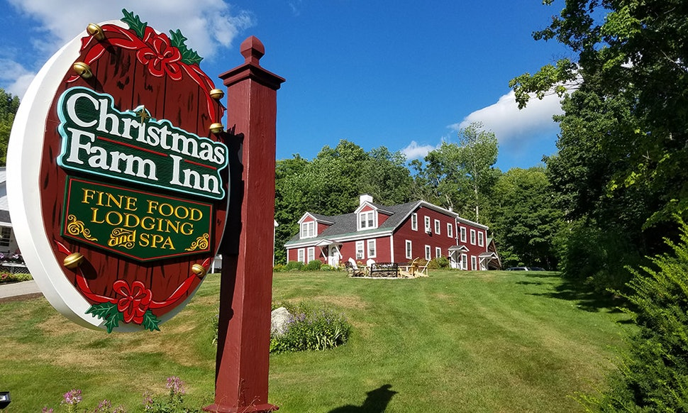 the christmas farm inn lets guests celebrate christmas all year long - The Christmas Inn